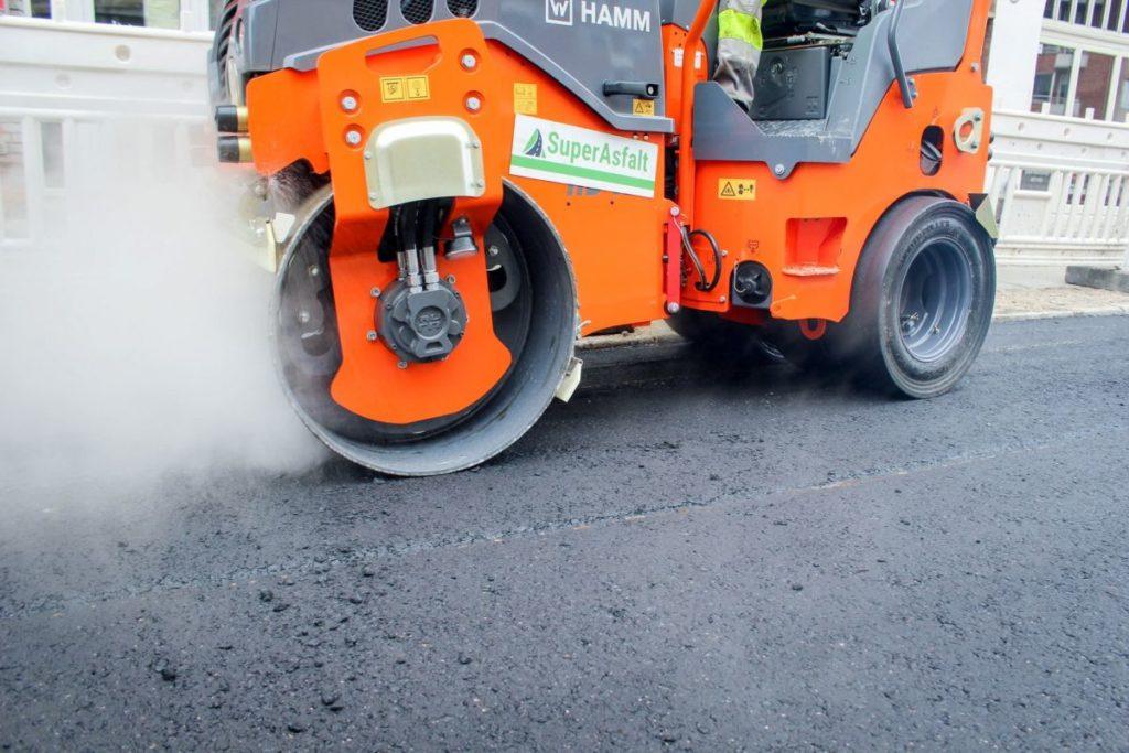 Få lagt asfalt professionelt derhjemme